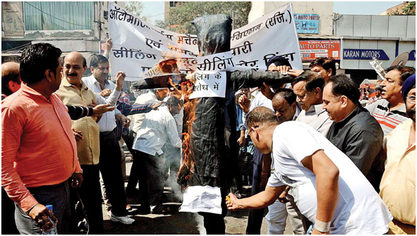 DELHI TRADERS PROTEST AGAINST SEALING
